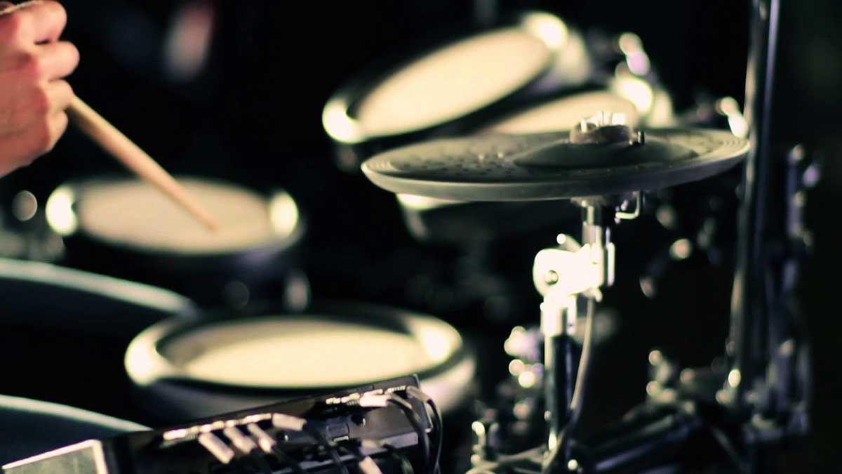 Imparare a suonare la batteria: 9 consigli da professionisti